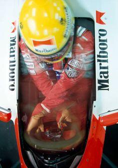 Brazilian racing driver Ayrton Senna driving a Honda Marlboro McLaren McLaren Honda 35 racing car during testing in Jerez Spain. Formula 1 Car, Mclaren Mp4, F1 Drivers, Race Cars, Racing, Unique, Wallpapers, Sport, Gift