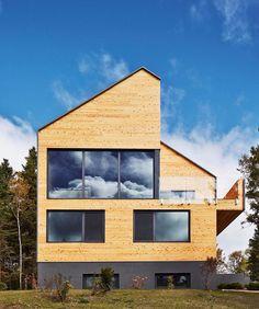 The Malbaie VIII #Residence designed by @MU_Architecture \\\ Photo by Ulysse Lemerise Bouchard by designmilk