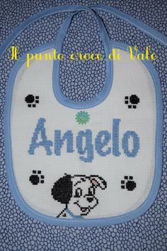 Il bavaglino realizzato per Michela (Caraglio CN). Visita la mia pagina Facebook IL PUNTO CROCE DI VALE