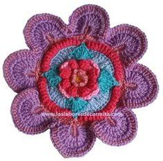 MANDALA MADNESS 1 El comienzo de nuestro viaje juntos comienza con una flor que se despliega suavemente como los pétalos de una flor de loto. En el antiguo Egipto la flor de loto simboliza el sol …