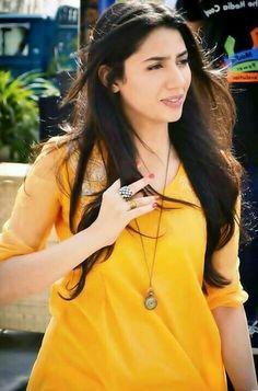 Hot Pakistani Actresses 🇵🇰, [Mar 2020 at AM] Alizeh Shah Pakistani Movies, Pakistani Actress, Pakistani Dresses, Indian Dresses, Mahira Khan Pics, Beauty Redefined, Pakistani Culture, Best Actress Award, Diva Fashion