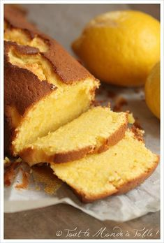 Lemon and mascarpone cake - Everyone at the table! can find Mascarpone and more on our website.Lemon and mascarpone cake - Everyone at the table! Easy Cake Recipes, Sweet Recipes, Dessert Recipes, Dinner Recipes, Easy Desserts, Mascarpone Cake, Mascarpone Recipes, Lemon And Coconut Cake, Food Cakes