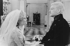 Still of Kenneth Branagh and Julie Christie in Hamlet (1996) http://www.movpins.com/dHQwMTE2NDc3/hamlet-(1996)/still-775720448