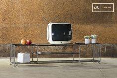 Ein vintage TV-Möbel für den Fernsehabend mit vintage Filmen