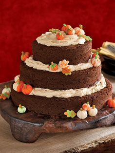 Halloween Cakes - Halloween Cake Recipes and Cupcake Decorating Ideas - Country Living