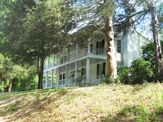 A beautiful old southern home in Clinton, Ga