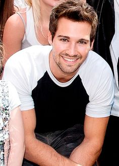 James Maslow is beautiful just saying <3