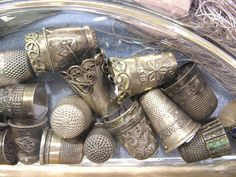 margadirube: herminehesse: Antique silver thimbles / have a collection of… Vintage Sewing Notions, Antique Sewing Machines, Vintage Sewing Patterns, Sewing Box, Sewing Tools, Sewing Crafts, Hand Sewing, Vintage Accessoires, Couture Vintage