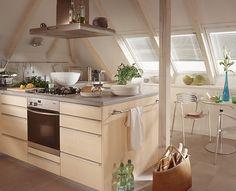 attic #kitchen // #küche auf einem #dachboden   küche / kitchen, Hause ideen