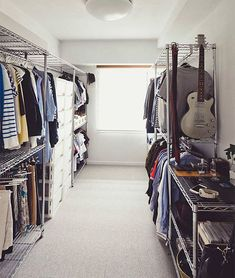 30 Gorgeous Open Wardrobe Concepts For Sophisticated Home Open Wardrobe, Wardrobe Closet, Built In Wardrobe, Walk In Closet, Closet Space Savers, Dressing Room Closet, Dressing Rooms, No Closet Solutions, Build A Closet