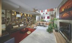 Image 6 of 12 from gallery of Terrace House Renovation / Design Atelier. Photograph by Ian wong Terraced House, Modern Rustic Homes, Elegant Homes, Design Studio, House Design, New Housing Developments, Casa Patio, Interior Architecture, Interior Design