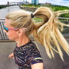 Follow @zoomrunning for more running inspiration! @runningbambiii: Dancing hair! Früh war's schwül war's schön war's! Der Dienstag kann kommen! Für mich geht es heute abend auf's Depeche Mode Konzert in der Commerzbank-Arena und ich freu mich drauf! Noch jemand von euch dort? Längster Tag des Jahres - macht was Schönes draus  // Get inspired with a fresh set of running clothes! Check the link in bio.