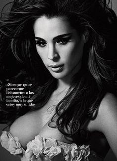 shut up bitch, My name is Carmen ! But, for You, Carmen Carrera . Carmen Carrera, Drag Queens, Divas, Rupaul Drag, Androgynous, Hair Makeup, Black And White, Beautiful, Image