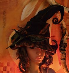 Hexenhut - Hut einer Waldfee -  WunderWoll - Querfurt Wonder Woman, Superhero, Fictional Characters, Women, Woodland Fairy, Felt Hat, Headboard Cover, Carnavals, Nice Asses