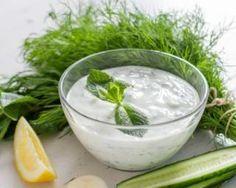 Vinaigrette aux herbes ultra light : http://www.fourchette-et-bikini.fr/recettes/recettes-minceur/vinaigrette-aux-herbes-ultra-light.html