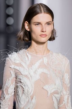 Givenchy Spring 2019 Couture Fashion Show - Vogue Runway Fashion Outfits, Fashion Models, Fashion Show, Fashion Looks, Haute Couture Dresses, Style Couture, Couture Fashion, Couture Details, Vogue Paris