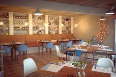 Las 10 mesas imprescindibles en Asturias: La Playa (Luanco) #tienda #nicolasvahe en españa