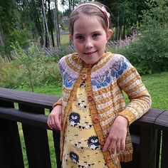Ravelry: Damejakken Stril med stil pattern by Pinneguri