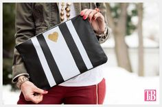 Create designs and patterns on leather using heat transfer sheets in this Leather Clutch DIY tutorial with step by step instructions and photos. Diy Leather Clutch, Best Leather Wallet, Diy Clutch, Diy Maxi Skirt, Butterfly Bags, Waverly Fabric, Diy Wallet, Recycled Denim, Leather Accessories