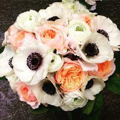 Anemoner och härliga rosor