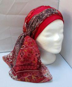 Turban à nouer préformé - Foulard - Bonnet - chapeau - bandeau chimio en  camaïeu de rouge au bordeaux monté sur un bandeau rouge 3cb78fe4e0b