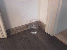 Budete potřebovat následující věci: 1 skleněný pohár (musí být čirý a zcela průzračný) bílý ocet krystalická sůl (například mořská nebo himalájská) voda Postupujte takto: 1) Vložte do sklenice trochu soli, octa a zalijte to vodou. 2) Umístěte sklenici na místo, kde trávíte hodně času nebo kde vás jiní lidé nejčastěji navštěvují. 3) Nechte tam sklenici …