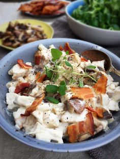 Creamy chicken salad with bacon, mushrooms and asparagus - a delicious low carb lunch recipe --> MyCopenhagenKitchen.com
