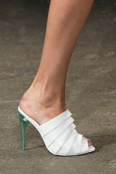 Christian Siriano at New York Fashion Week Spring 2015 - Details Runway Photos Ankle Boots, High Heel Boots, High Heel Pumps, Shoes Heels Boots, Heeled Boots, Stiletto Heels, Fab Shoes, Pretty Shoes, Me Too Shoes