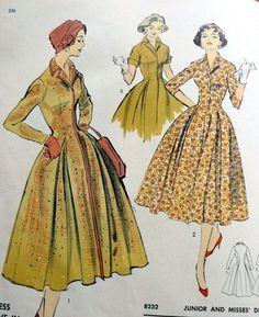 Advance American Designer 8232 designed by Luis Estévez for Woman's Day dress