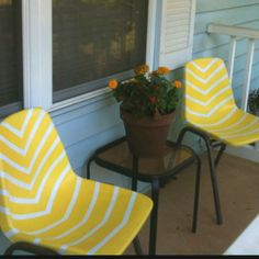 DIY patio chair- pretty sure there are 2 of these at work I could transform!