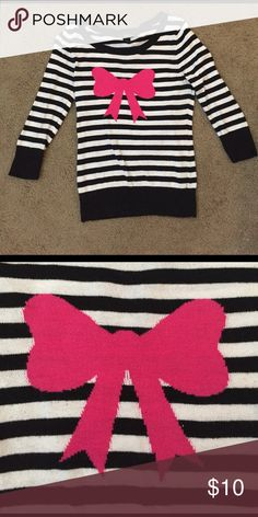 💞 SALE 💞 Black and White Rue 21 Bow Sweater Rue 21 Pink, Black, and, White Bow Sweater Rue 21 Tops
