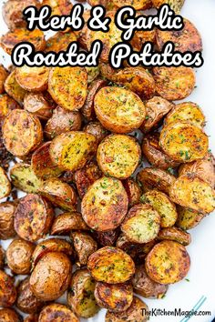 Hey, look, it's my favorite carb, but this time it's roasted red potatoes that are covered in herbs and garlic! What could be better? While I do love my Garlic Smashed Potatoes, Crispy Baked Potatoes, Cooking Red Potatoes, Herb Roasted Potatoes, How To Roast Potatoes, Garlic Potatoes Recipe, Herbed Potatoes, Roasted Garlic Cloves, Hasselback Potatoes