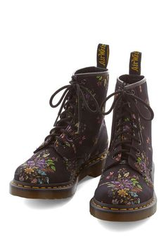 Keepin' On Boot. Keep on being your fabulous self, grounding ensemble after ensemble in these floral boots from Dr. #gold #prom #modcloth