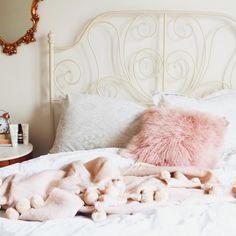 30 Chic Home Design Ideas - European interiors. - Tips Home Decor Home Bedroom, Bedroom Decor, Bedroom Ideas, Beautiful Bedrooms, Home Decor Inspiration, Decoration, My Room, Interior Design Living Room, Hannah Eden