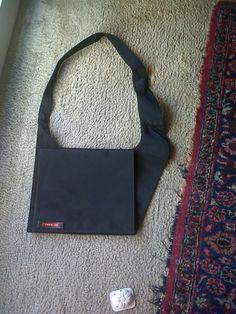 70s caoutchouc shoulder bag