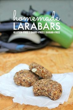 Homemade Larabar Recipe: How to make Larabars from scratch at home! All ingredients are gluten-free, dairy-free, and sugar-free, though you're welcome to use real chocolate chips if you'd like :). (date granola bars dried fruit) Foods With Gluten, Gluten Free Desserts, Dairy Free Recipes, Vegan Recipes, Healthy Sweets, Healthy Snacks, Larabar Recipe, Homemade Larabars, No Bake Energy Bites