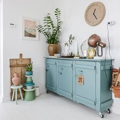 HOME | Shop my home, XL Hometour blog at BintiHomeblog.com { link in bio } Wish you a lovely evening! #home #interior #bintihomeblog #bintihomestyling #style #design #woonkamer #livingroom #styling #interieur #interieurstyling #casa #designer #wooninspiratie #wonen #turquoise #interiortrend #interior4all #dressoir #decoration #shopmyhome #festamsterdam #pureandoriginal #shopmijnhuis #shopblog #shopping #video #binnenkijken #binnenkijker #hometour