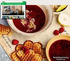 Warm Raspberry Soup with Pear Salad and Waffles / Varm Bringebærsuppe med Pæresalat og Vafler