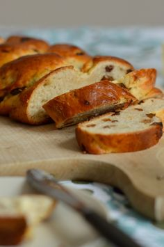 Rezept für Osterzopf mit Rosinen / braided easter bread recipe (german and english)