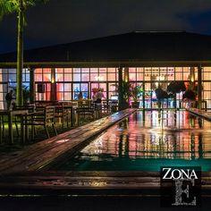 #CasaBali se llena de magia al caer la noche y se encienden una a una las luces que te abrazan. Llama al 3106158616 / 3206750352 / 3106159806 y reserva desde ya, atendemos todos los días de la semana y fines de semana incluido festivos.  #ZonaE #CasaBali #ZonaELlangrande #bodas #BodasAlAireLibre #BodasCampestres #Eventos #weddingplaner #weddingplanning #weddingtips #boda #wedding #timetoparty #celebration #weddingreception #weddingparty #destinationwedding #bodascolombia #bodasmedellin…