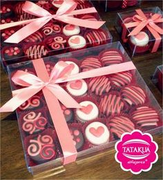 New Cupcakes San Valentn Caja De Ideas Valentine Desserts, Kinder Valentines, Valentine Cookies, Valentine Box, Chocolate Bark, Chocolate Covered Oreos, Chocolate Covered Strawberries, Fondant Cupcakes, Fun Cupcakes