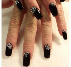 So pretty!!! Nails. Nail art, nailart, black, long nails, nailsdone, luxury, expensive, diamonds, sparkly, beautifulhands, beautifulfingers, pretty, cute, nail artistry