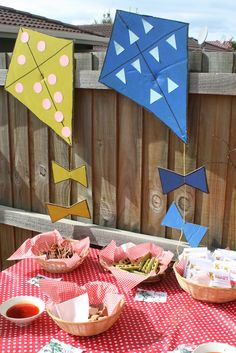 Teddy Bears picnic decorations - kites, balloons, signs and picnic theme