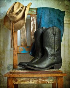 @cowboyboots #country #countrylife For more Cute n' Country visit: www.cutencountry.com and www.facebook.com/cuteandcountry