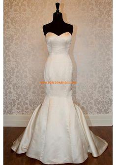 Robe de mariée sirène en satin col en coeur