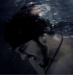 """Assista ao novo clipe de Luan Santana, """"Eu, você o mar e ela"""""""