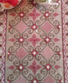 Cross Stitch Borders, Cross Stitch Flowers, Cross Stitching, Cross Stitch Embroidery, Hand Embroidery, Embroidery Designs, Needlepoint Stitches, Needlework, Crochet Bedspread