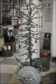 Christmas tree, shabby chic, country feel