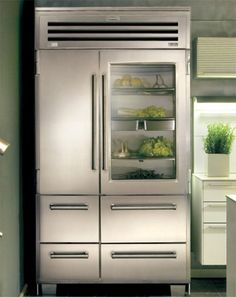 Sub-Zero PRO 48 with glass door: I would never lust after another fridge, I promise. Subzero Refrigerator, French Door Refrigerator, Sub Zero Appliances, Kitchen Appliances, Kitchen And Bath, New Kitchen, Built In Fridge Freezer, Sub Zero Fridge, Dream Home Design
