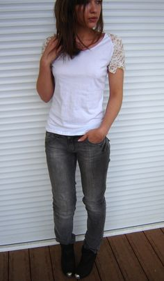Replace T-shirt sleeves with lace – such a simple way to make a shirt more interesting and special ~ Anna from Janome